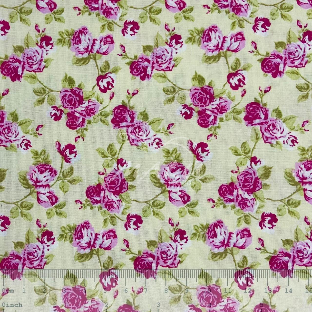 Tricoline Floral Rosa com fundo Bege